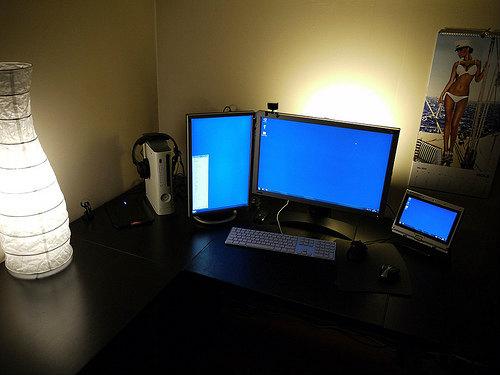 間接照明パソコン